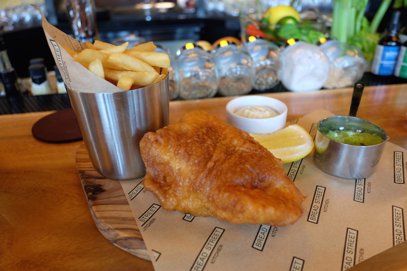 รูปที่ 6 traditional fish & chips copy 3