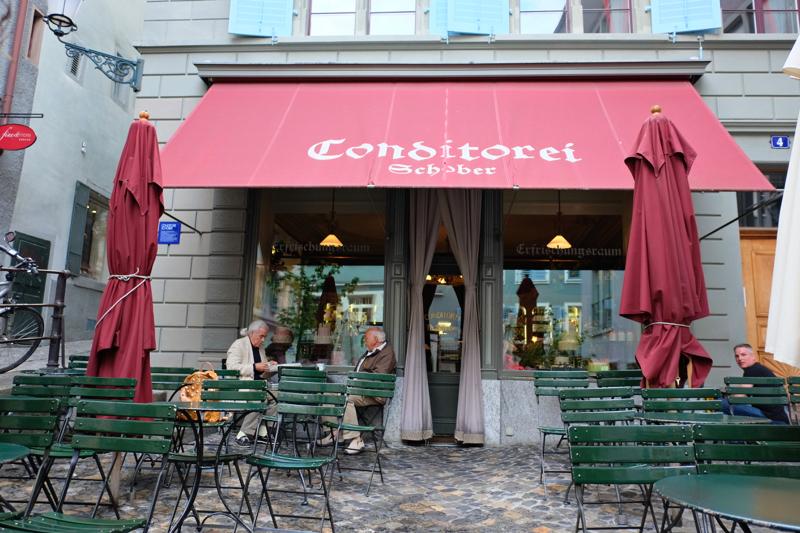 Cafe Schober รูปหน้าร้าน และรูปที่ถ่ายกับคุณขวัญ copy