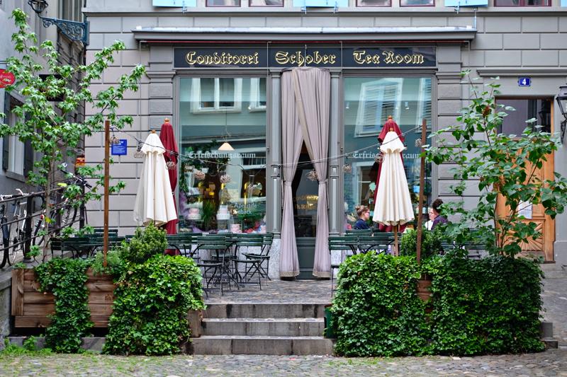 Cafe Schober รูปหน้าร้าน และรูปที่ถ่ายกับคุณขวัญ