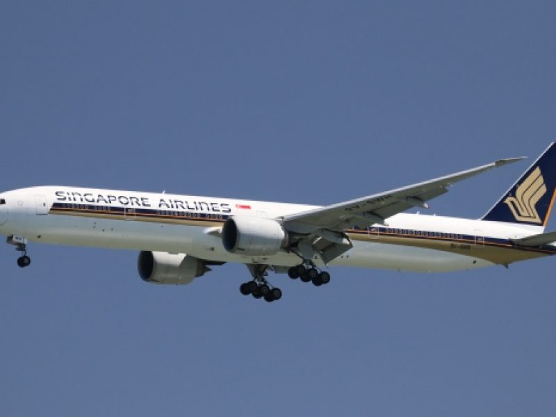 \singapore-airlines-airplane\