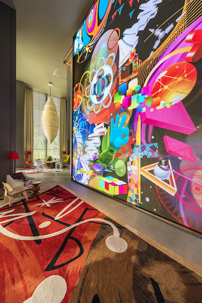 TheSouthBeach_Global Village, Video Wall [Highres]