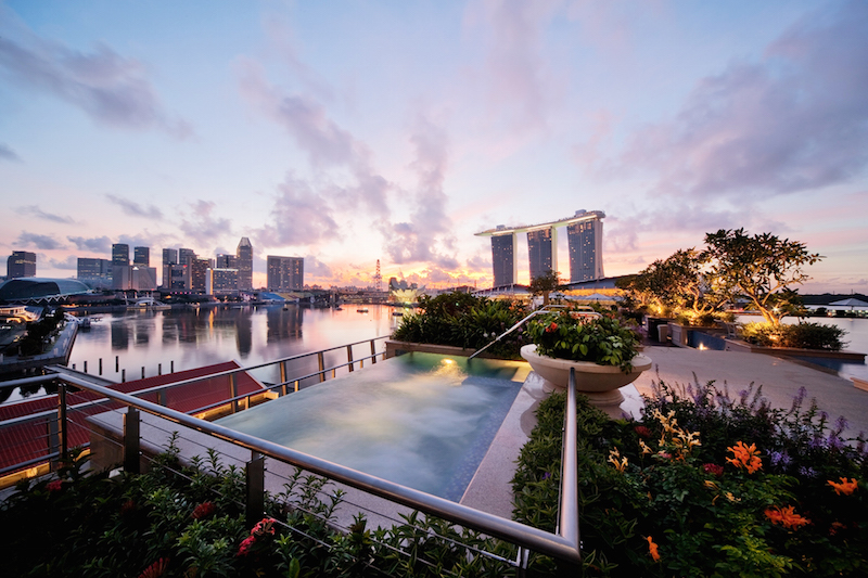 Rooftop Jacuzzi - The Fullerton Bay Hotel Singapore