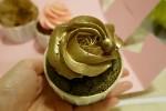 คัพเค้กดอกกุหลาบสีทอง Dessert Cup – สิงคโปร์