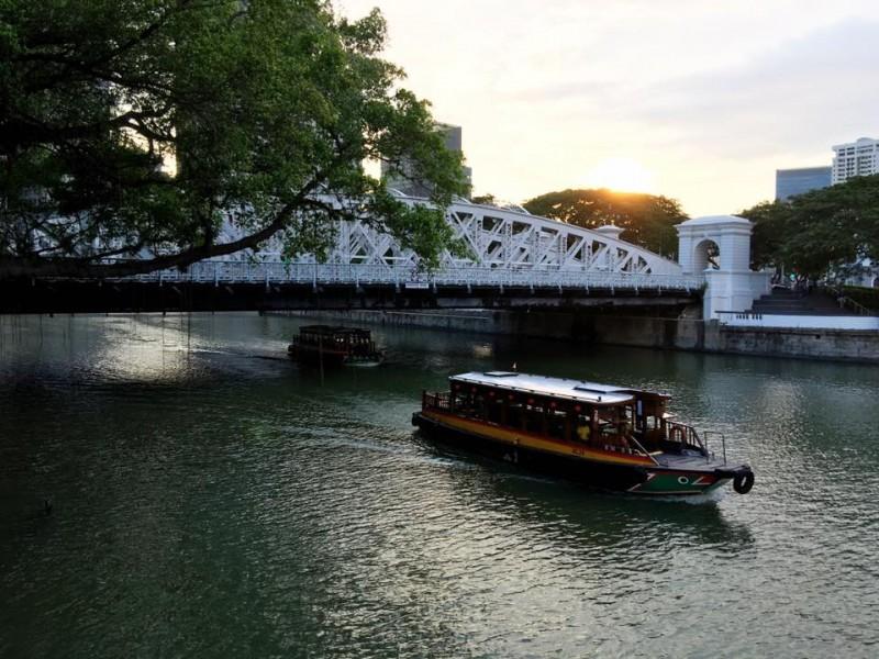 เลียบๆ เคียงๆ ริมแม่น้ำสิงคโปร์