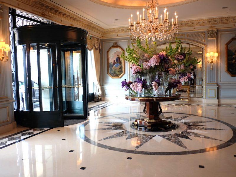 """รักแรกของ Geneva """"Four Seasons Hotel des Bergues"""" – เจนีวา"""
