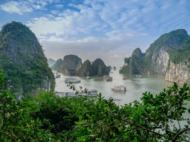 """นอน """"ฮาลอง เบย์"""" นะ คืนนี้ – Halong Bay Cruise by Paradise Elegance"""